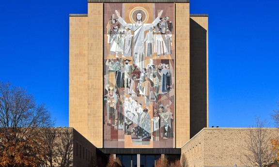 idea_sized-touchdown_jesus_at_notre_dame