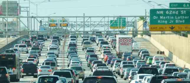 Miami_traffic_jam2C_I-95_North_rush_hour