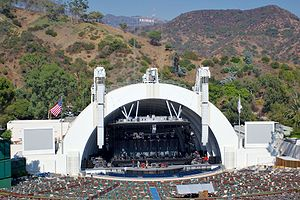 300px-Hollywood_bowl_and_sign