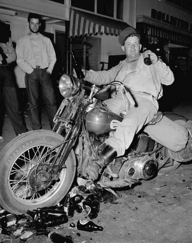biker_hollister
